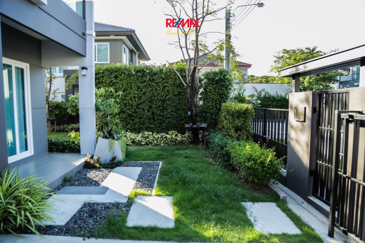 RE/MAX Executive Homes Agency's Nice 3 Bedroom House for Sale Mantana Village On Nut Wongwaen 4 5