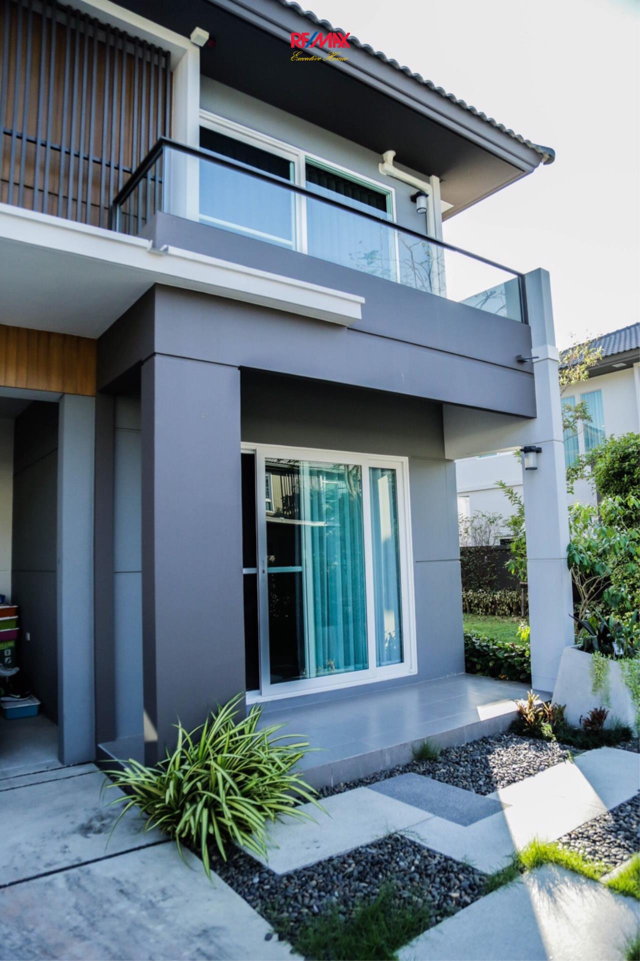 RE/MAX Executive Homes Agency's Nice 3 Bedroom House for Sale Mantana Village On Nut Wongwaen 4 6