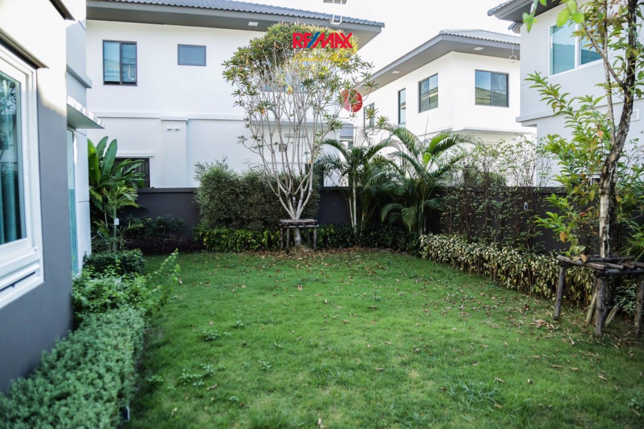 RE/MAX Executive Homes Agency's Nice 3 Bedroom House for Sale Mantana Village On Nut Wongwaen 4 7