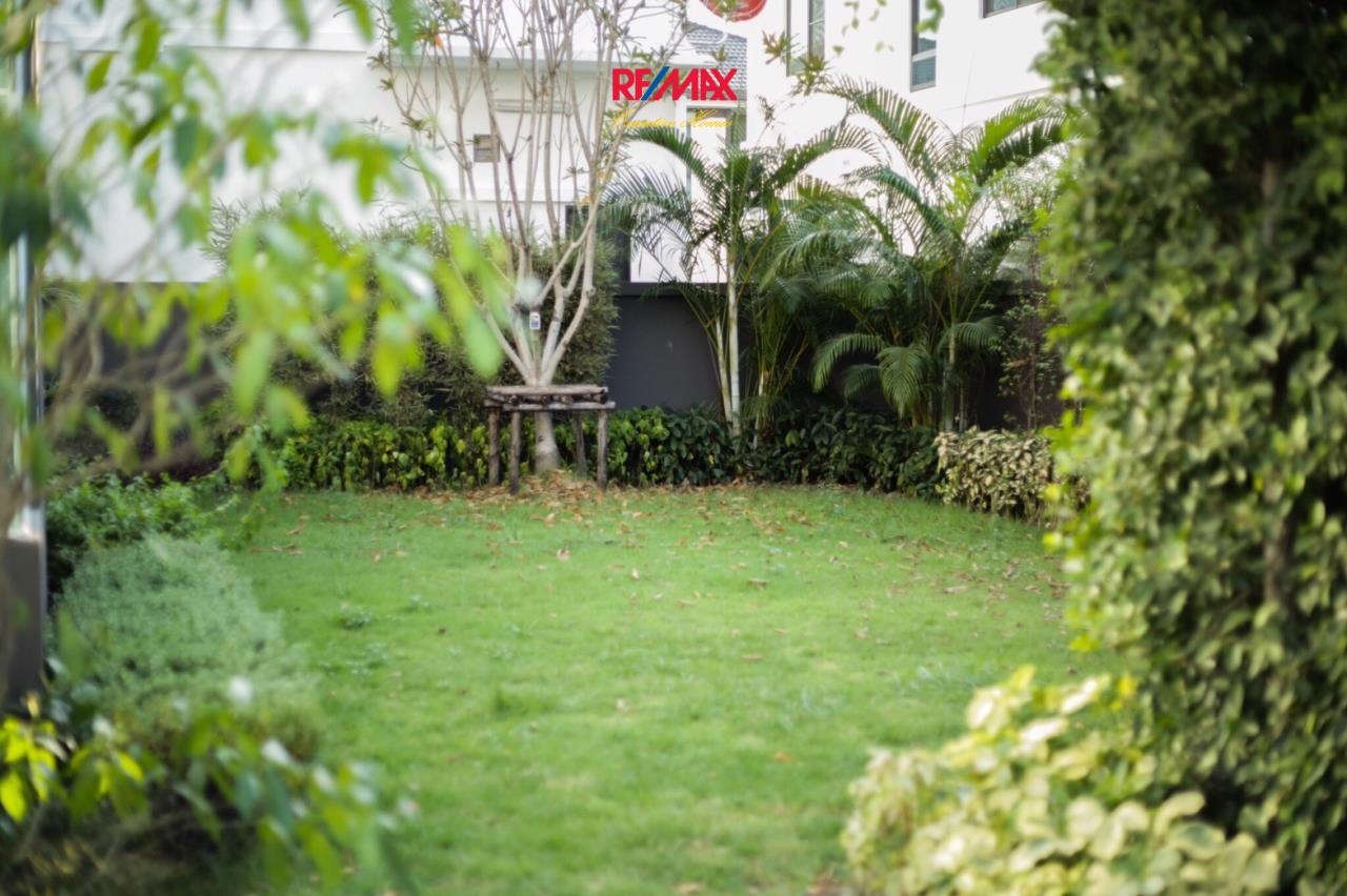 RE/MAX Executive Homes Agency's Nice 3 Bedroom House for Sale Mantana Village On Nut Wongwaen 4 9