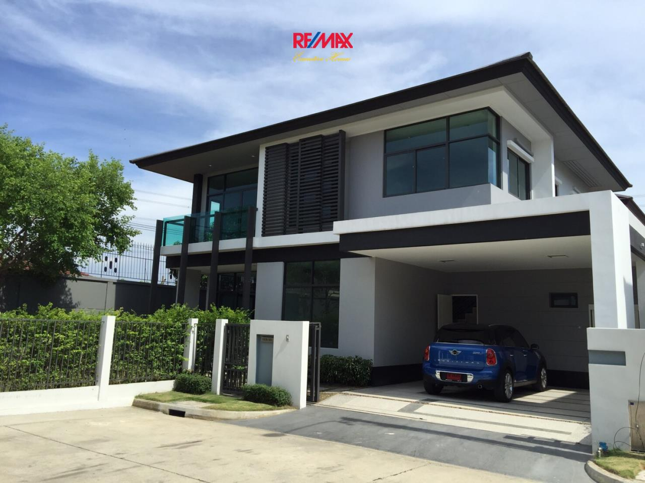 RE/MAX Executive Homes Agency's Stunning 4 Bedroom Townhouse for Sale Settasiri On Nut 1