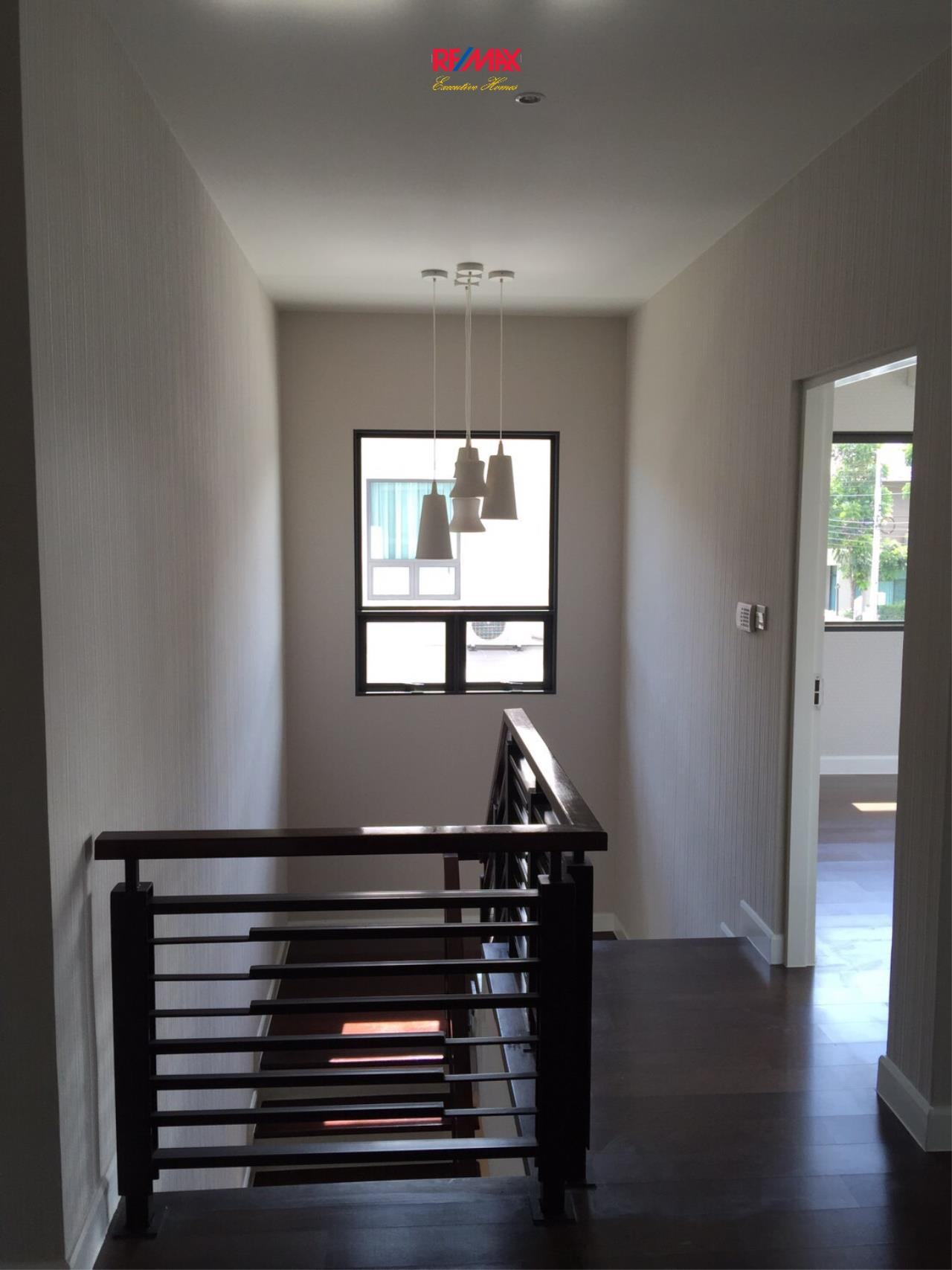 RE/MAX Executive Homes Agency's Stunning 4 Bedroom Townhouse for Sale Settasiri On Nut 4