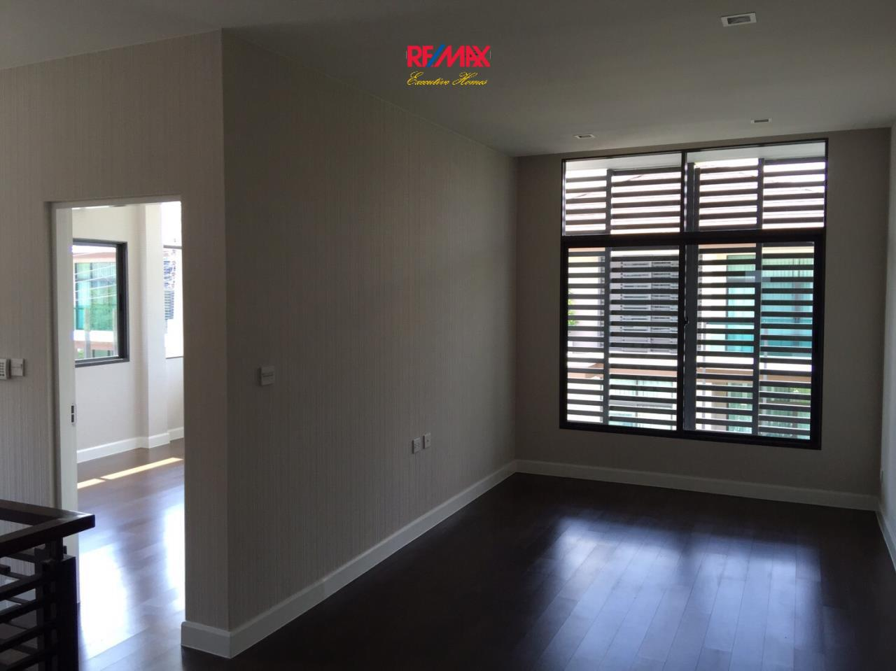 RE/MAX Executive Homes Agency's Stunning 4 Bedroom Townhouse for Sale Settasiri On Nut 5
