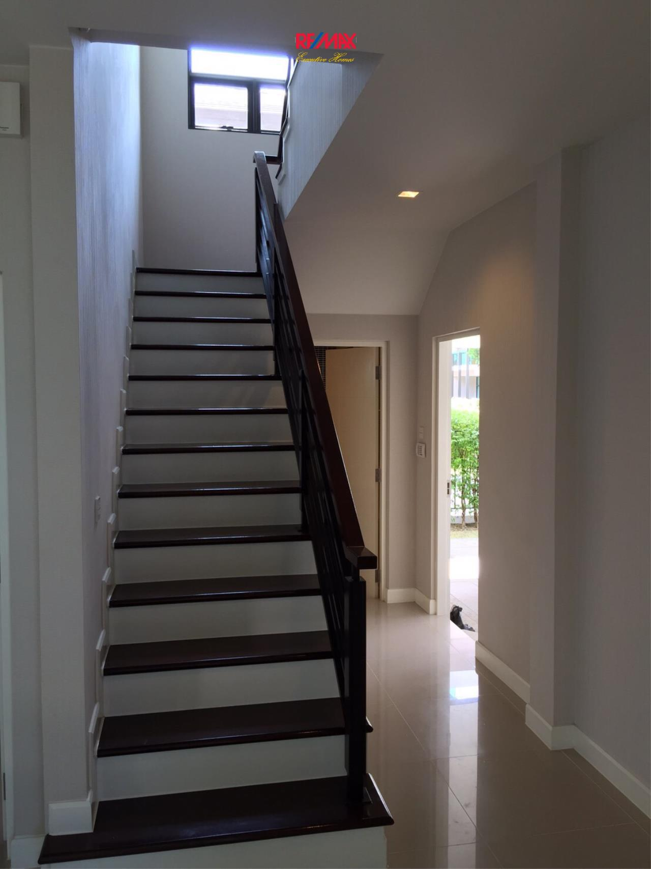 RE/MAX Executive Homes Agency's Stunning 4 Bedroom Townhouse for Sale Settasiri On Nut 7