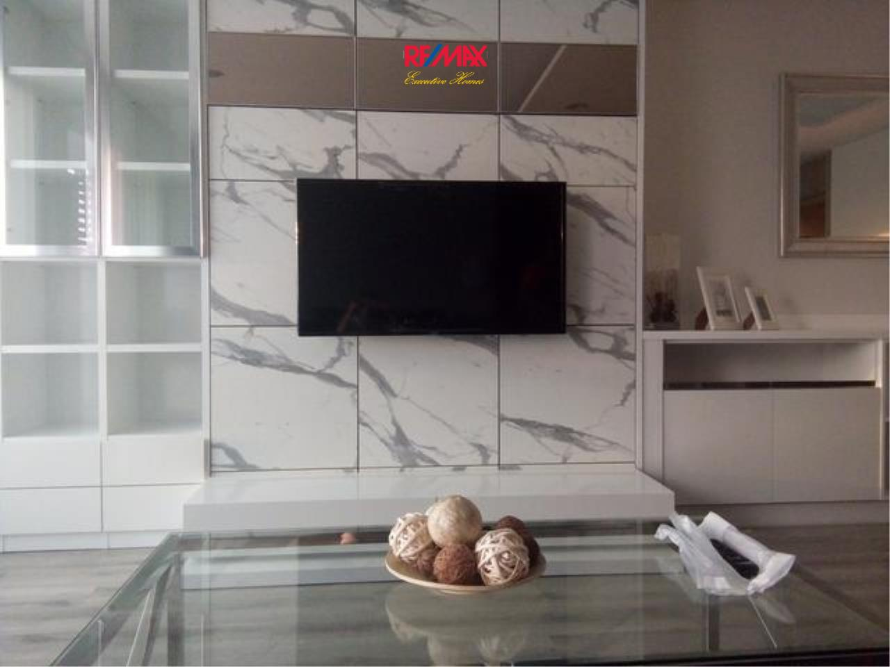 RE/MAX Executive Homes Agency's Stunning 2 Bedroom for Rent Centric Sathorn St. Louis 3
