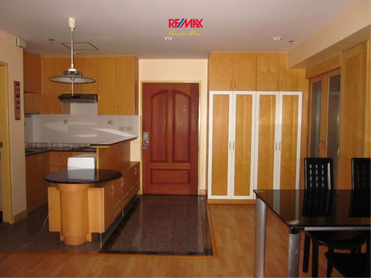 RE/MAX Executive Homes Agency's Spacious 1 Bedroom for Rent and Sale Asoke Place 4
