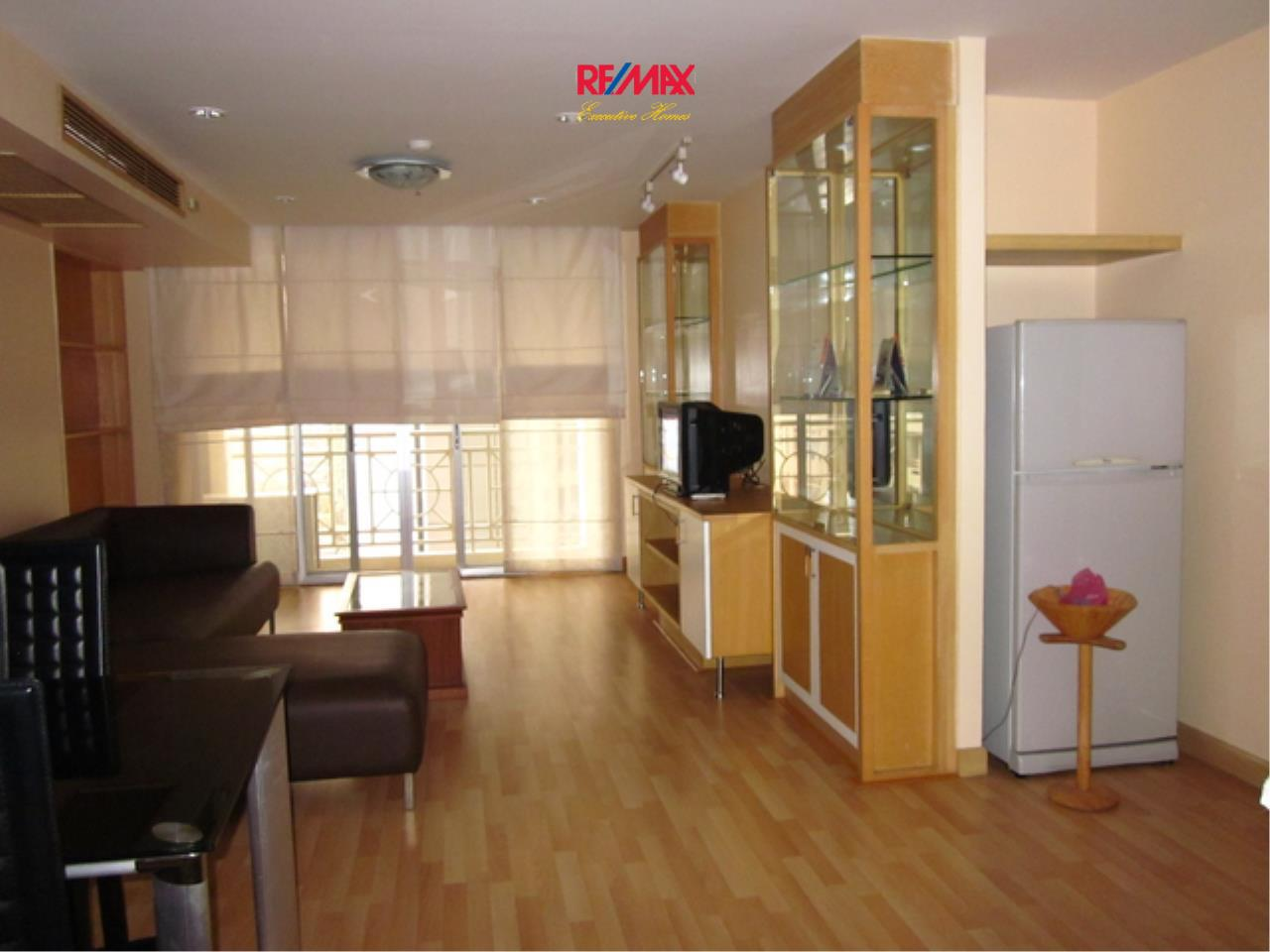 RE/MAX Executive Homes Agency's Spacious 1 Bedroom for Rent and Sale Asoke Place 3