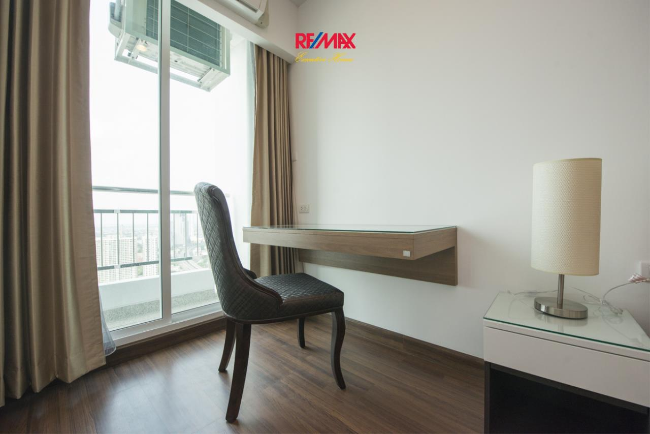 RE/MAX Executive Homes Agency's Stunning 2 Bedroom for Rent Supalai Prima Riva 10