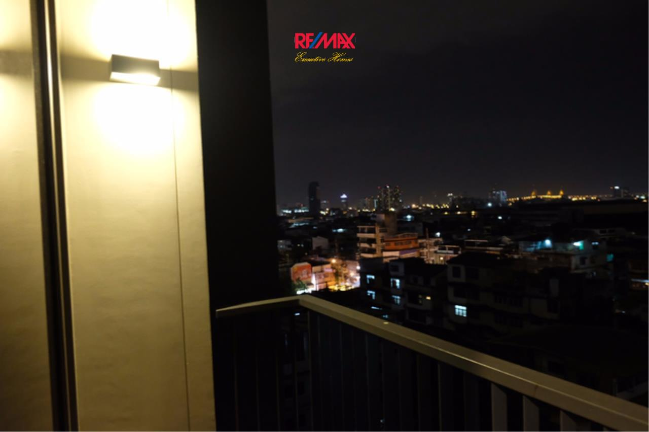 RE/MAX Executive Homes Agency's Beautiful 2 Bedroom for Rent and Sale The Room Sathorn St. Louis 4
