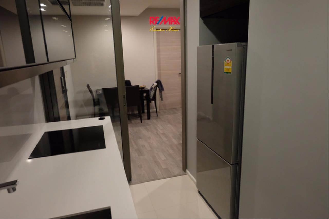 RE/MAX Executive Homes Agency's Beautiful 2 Bedroom for Rent and Sale The Room Sathorn St. Louis 6