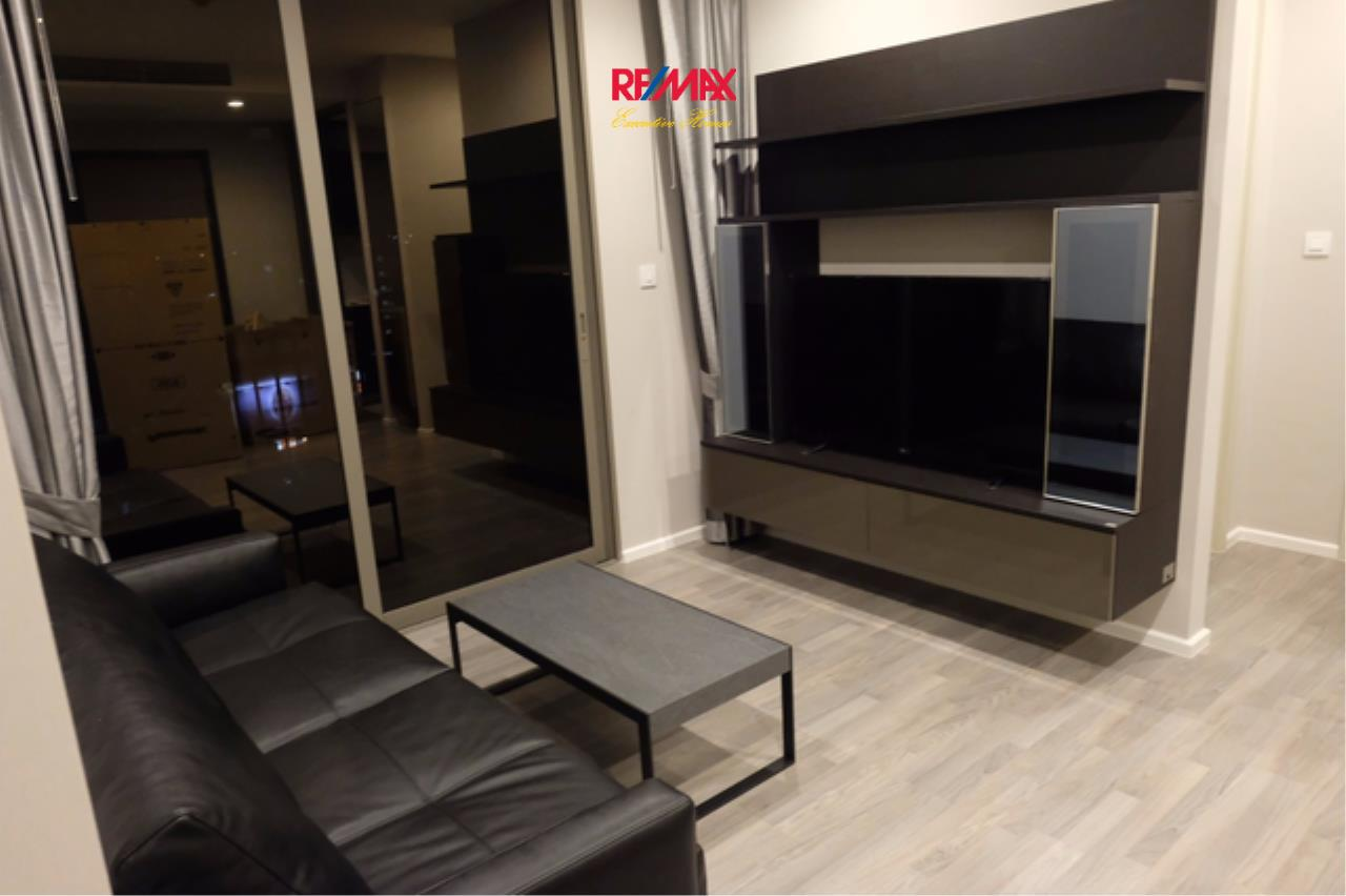 RE/MAX Executive Homes Agency's Beautiful 2 Bedroom for Rent and Sale The Room Sathorn St. Louis 2