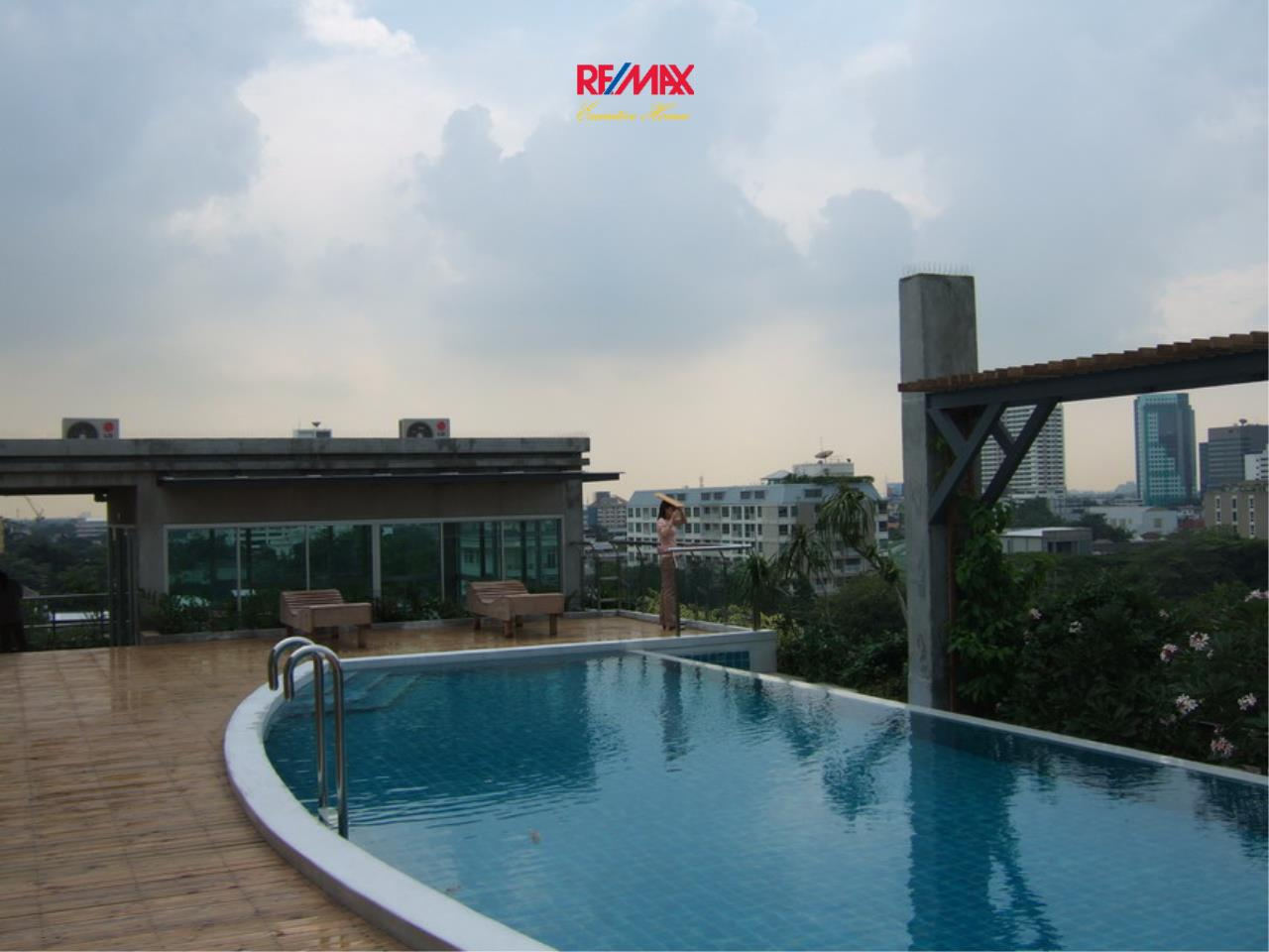 RE/MAX Executive Homes Agency's Spacious 1 Bedroom for Rent Von Napa Sukhumvit 38 8