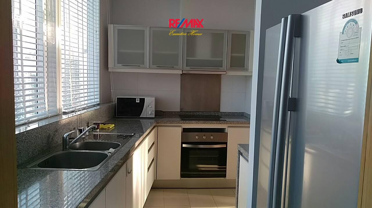RE/MAX Executive Homes Agency's Nice 2 Bedroom for Rent Millennium Residence 3