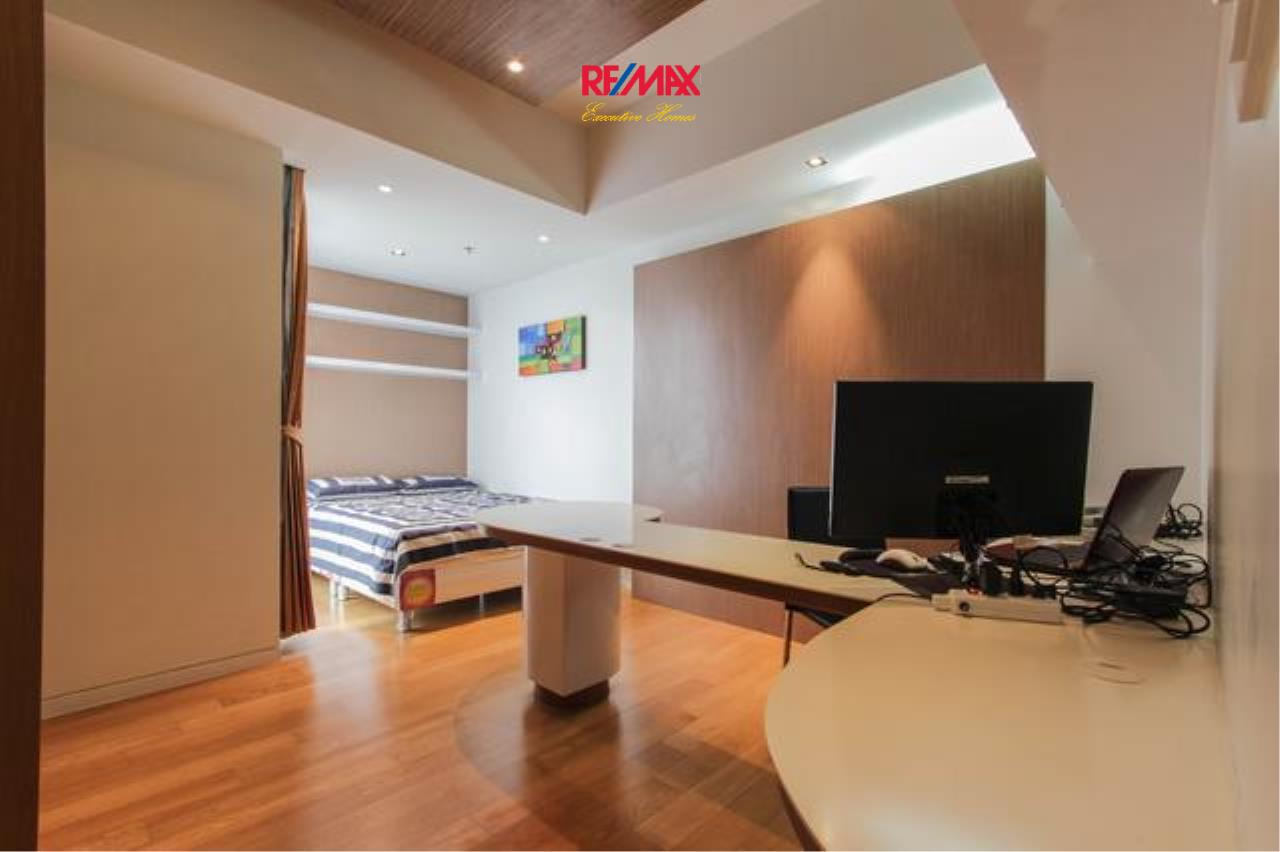 RE/MAX Executive Homes Agency's Beautiful 2 Bedroom for Rent The Met Sathorn 4