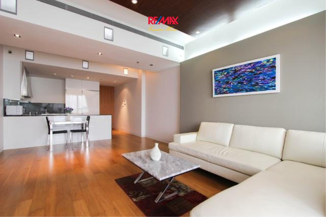 RE/MAX Executive Homes Agency's Beautiful 2 Bedroom for Rent The Met Sathorn 2
