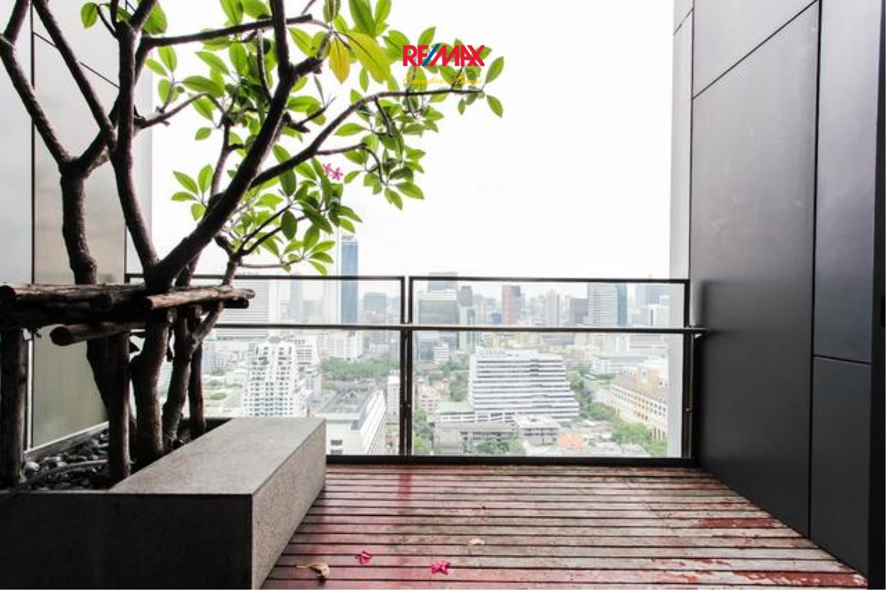 RE/MAX Executive Homes Agency's Beautiful 2 Bedroom for Rent The Met Sathorn 7