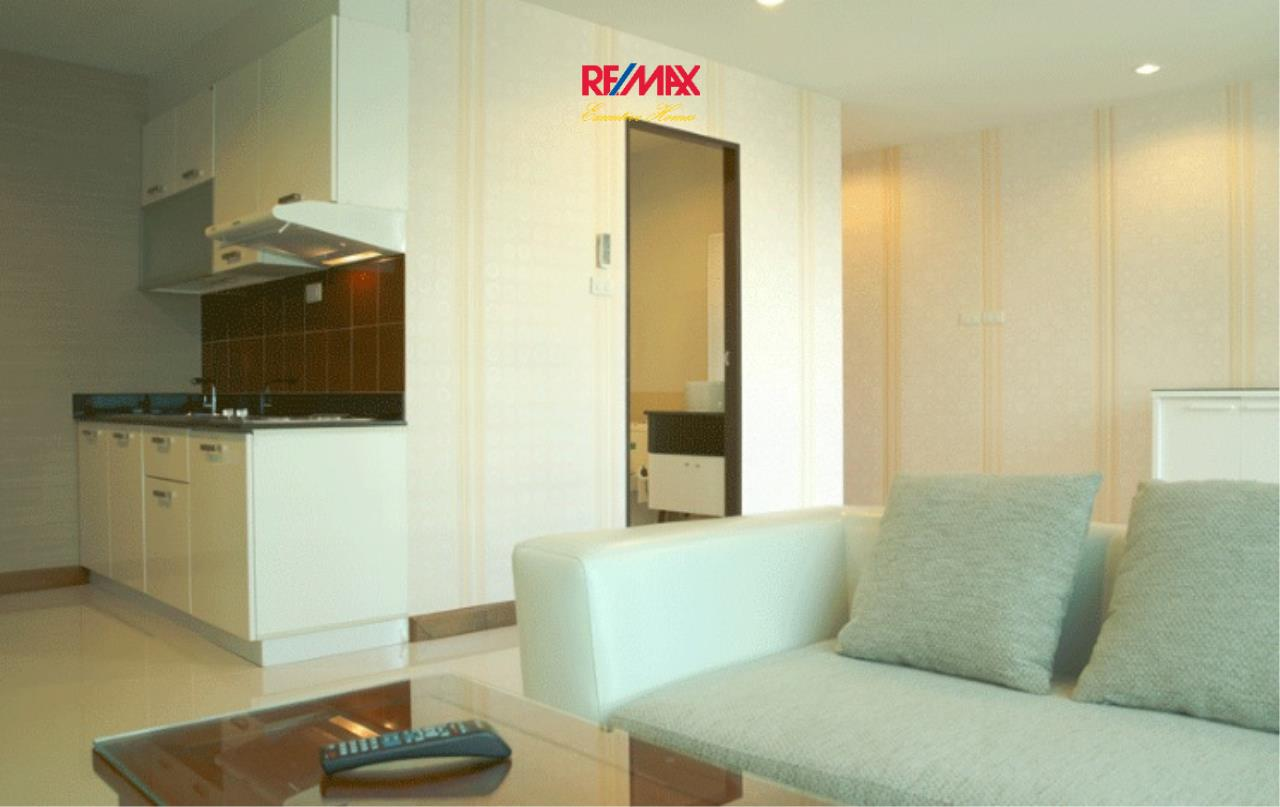 RE/MAX Executive Homes Agency's Stunning 1 Bedroom for Sale Sukhumvit Living Town 5