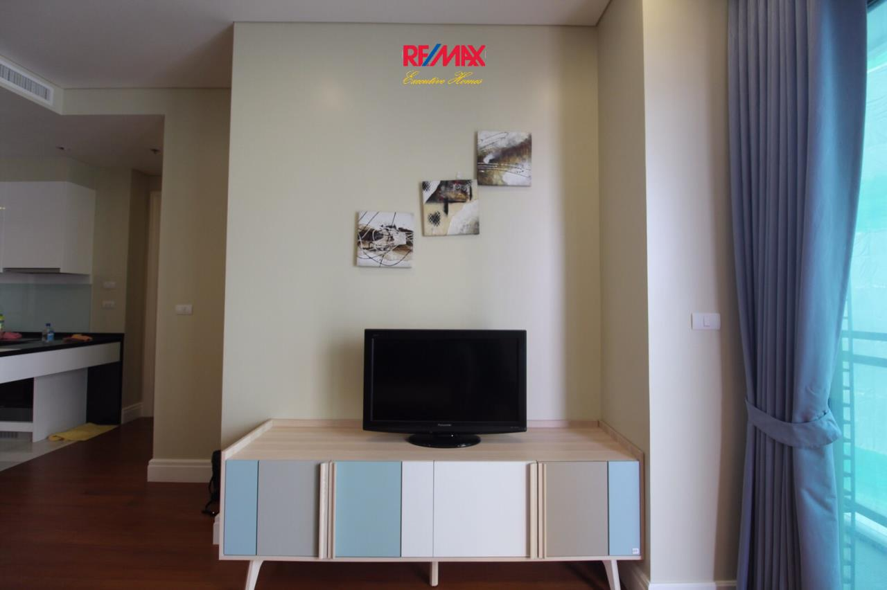 RE/MAX Executive Homes Agency's Beautiful 2 Bedroom for Rent The Bright 24 5