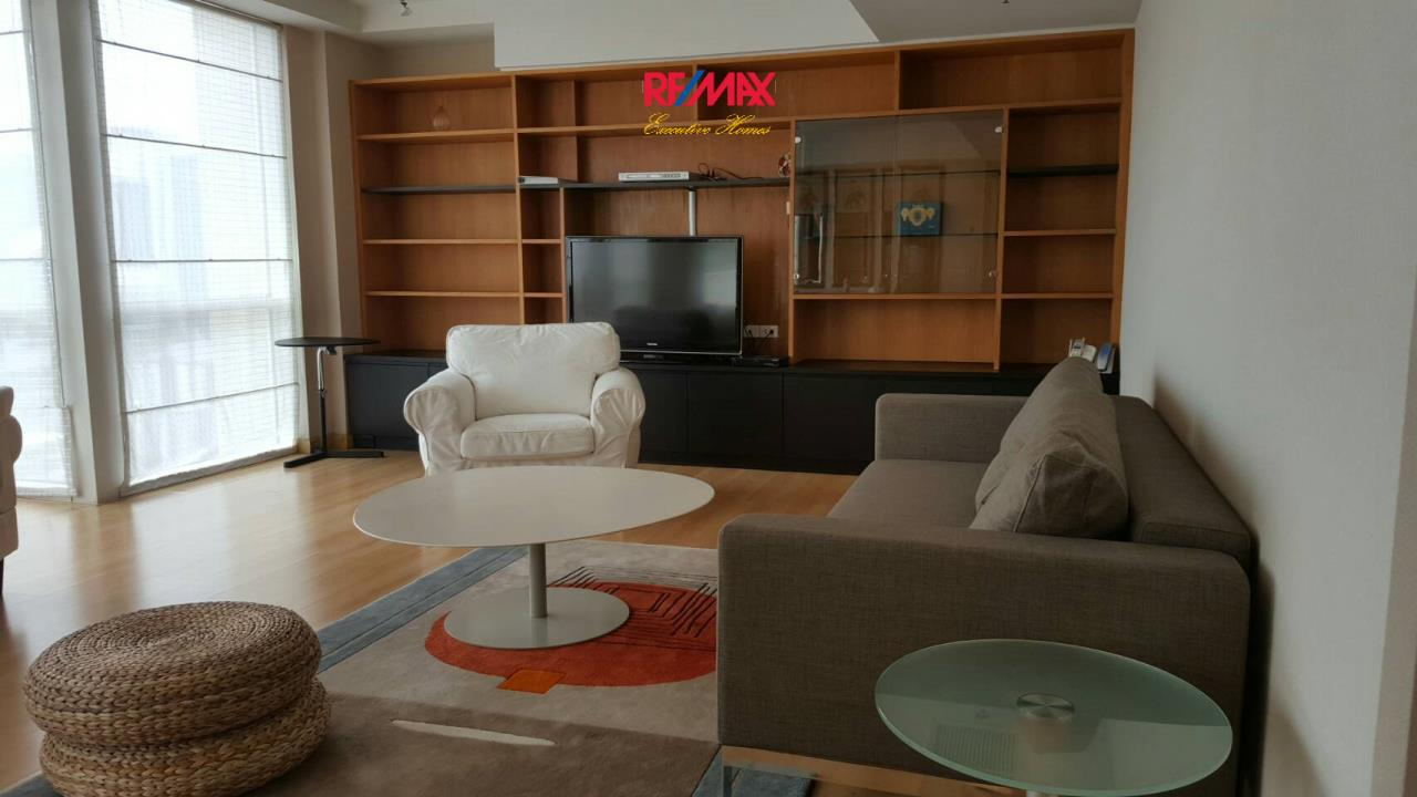 RE/MAX Executive Homes Agency's Spacious 2 Bedroom for Rent Langsuan Ville 1