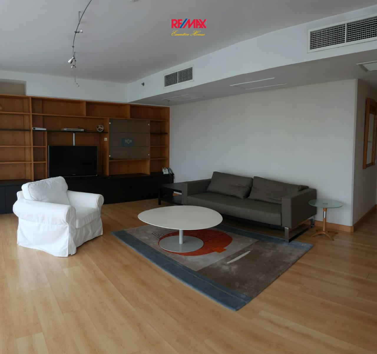 RE/MAX Executive Homes Agency's Spacious 2 Bedroom for Rent Langsuan Ville 2