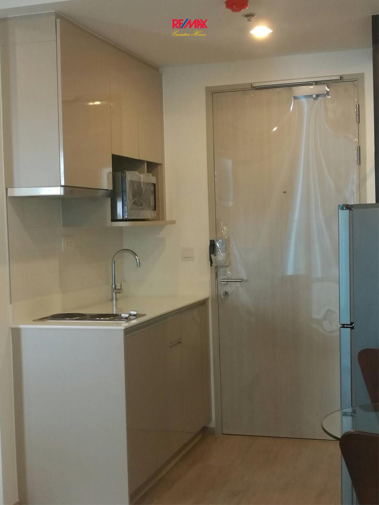 RE/MAX Executive Homes Agency's Nice 1 Bedroom for Rent Ideo Q Chula Samyan 5