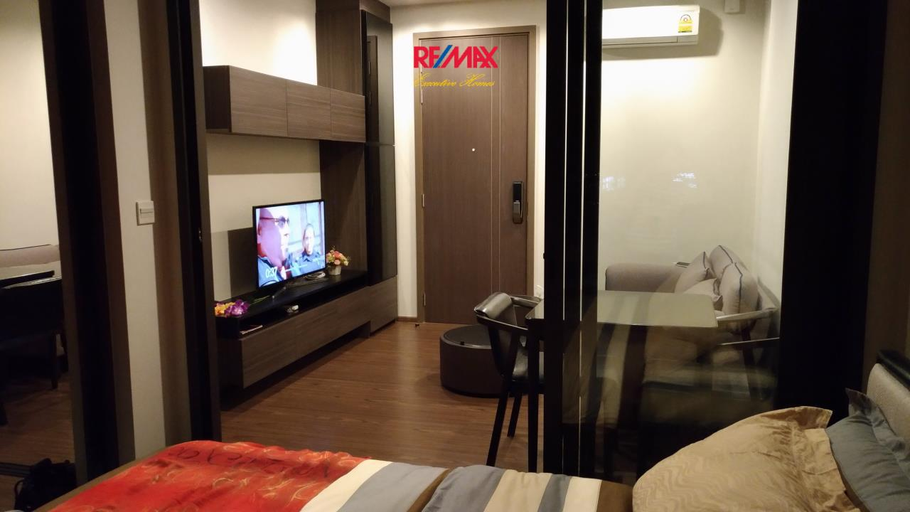 RE/MAX Executive Homes Agency's Nice 1 Bedroom for Rent The Line 71 1
