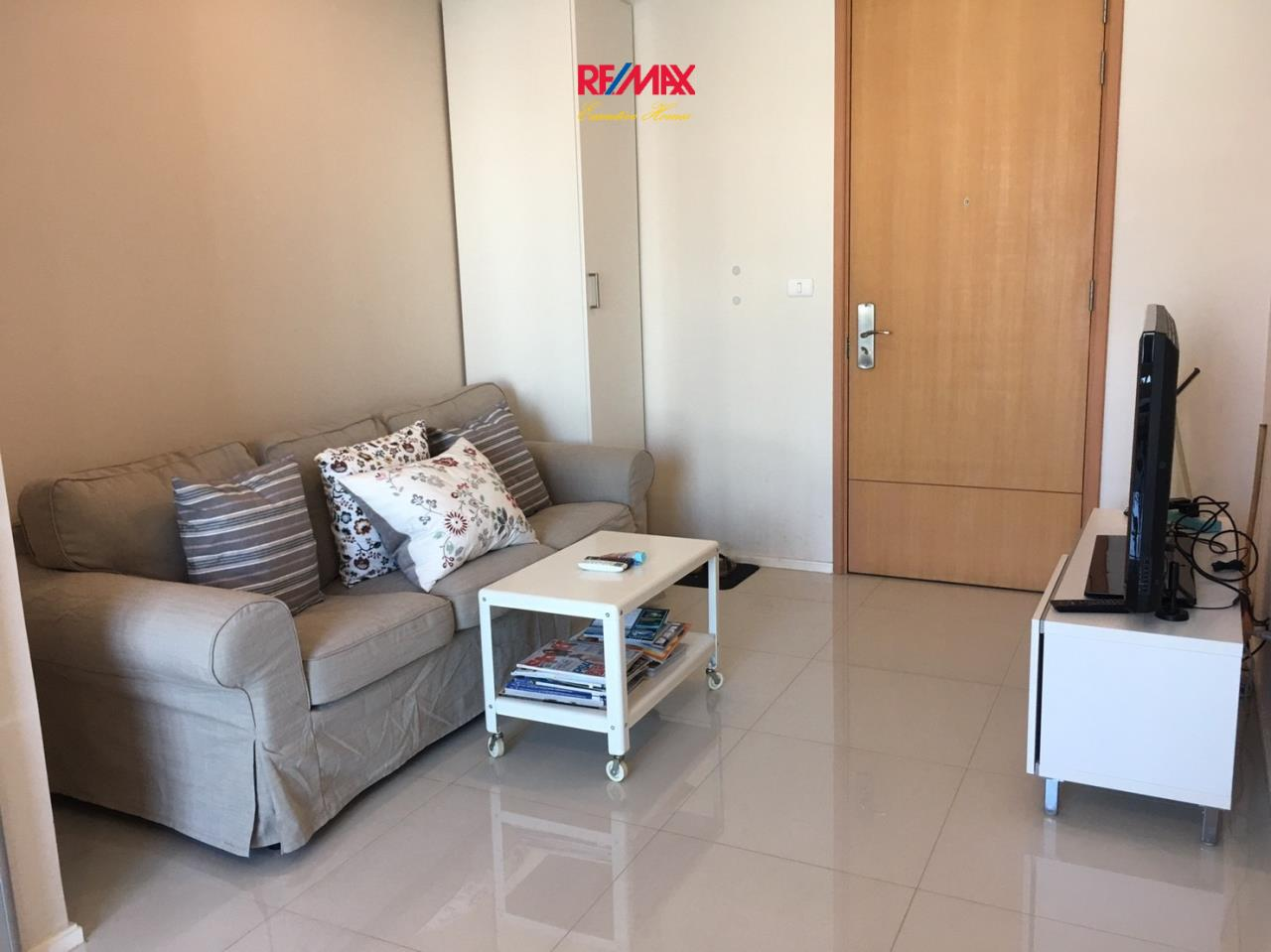 RE/MAX Executive Homes Agency's Beautiful 1 Bedroom for Rent Villa Asoke 3
