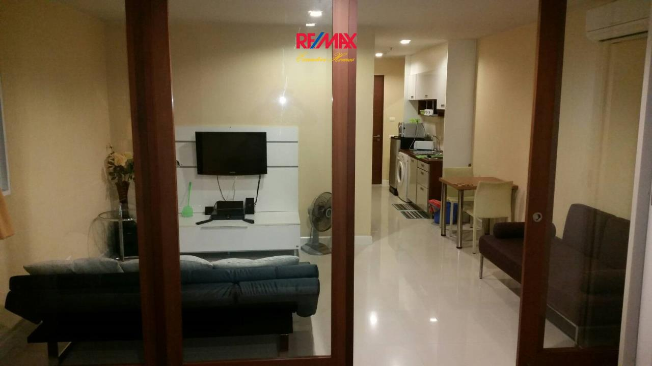 RE/MAX Executive Homes Agency's Large Studio Bedroom for Sale Sukhumvit City Resort 4