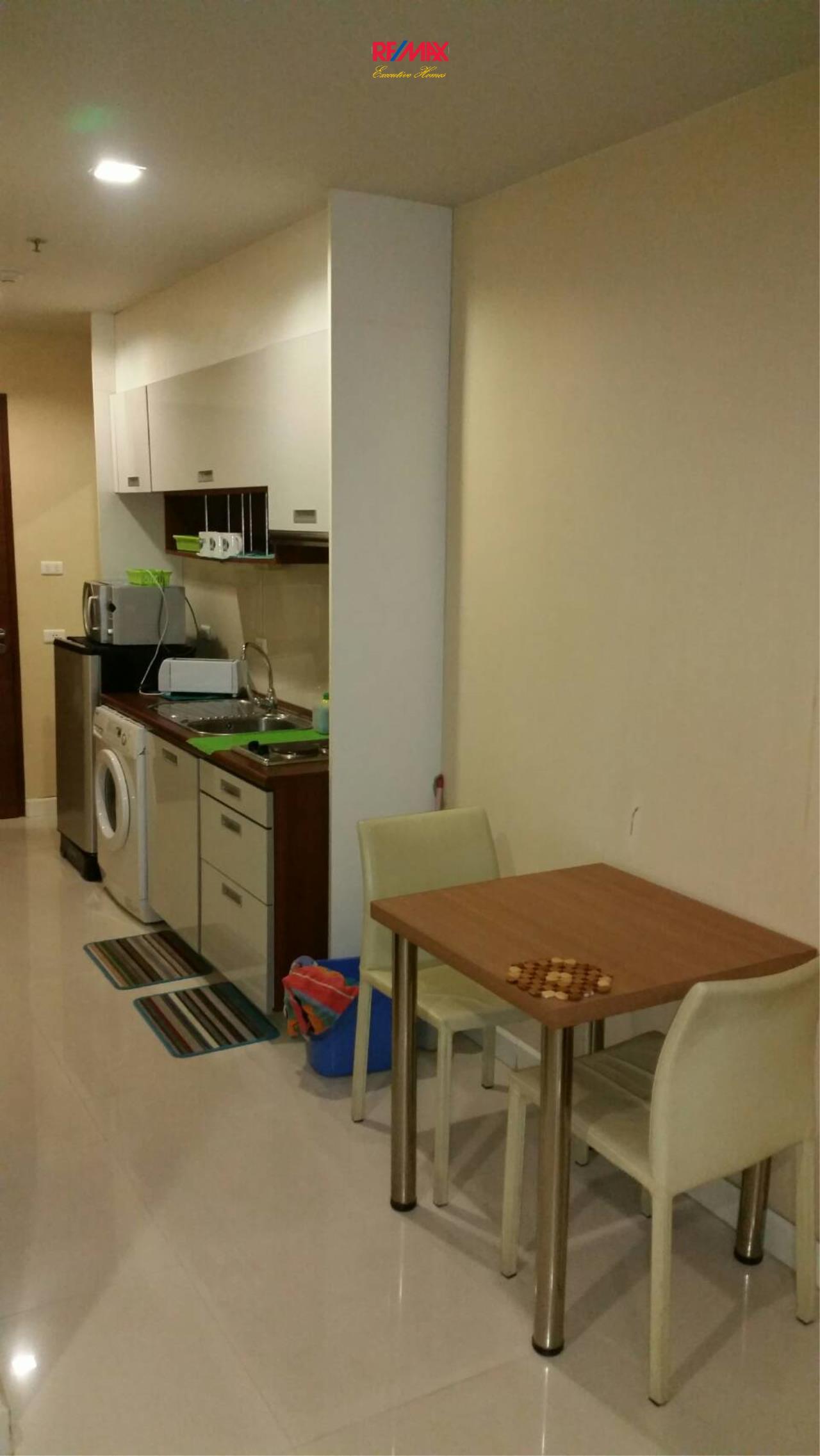 RE/MAX Executive Homes Agency's Large Studio Bedroom for Sale Sukhumvit City Resort 7
