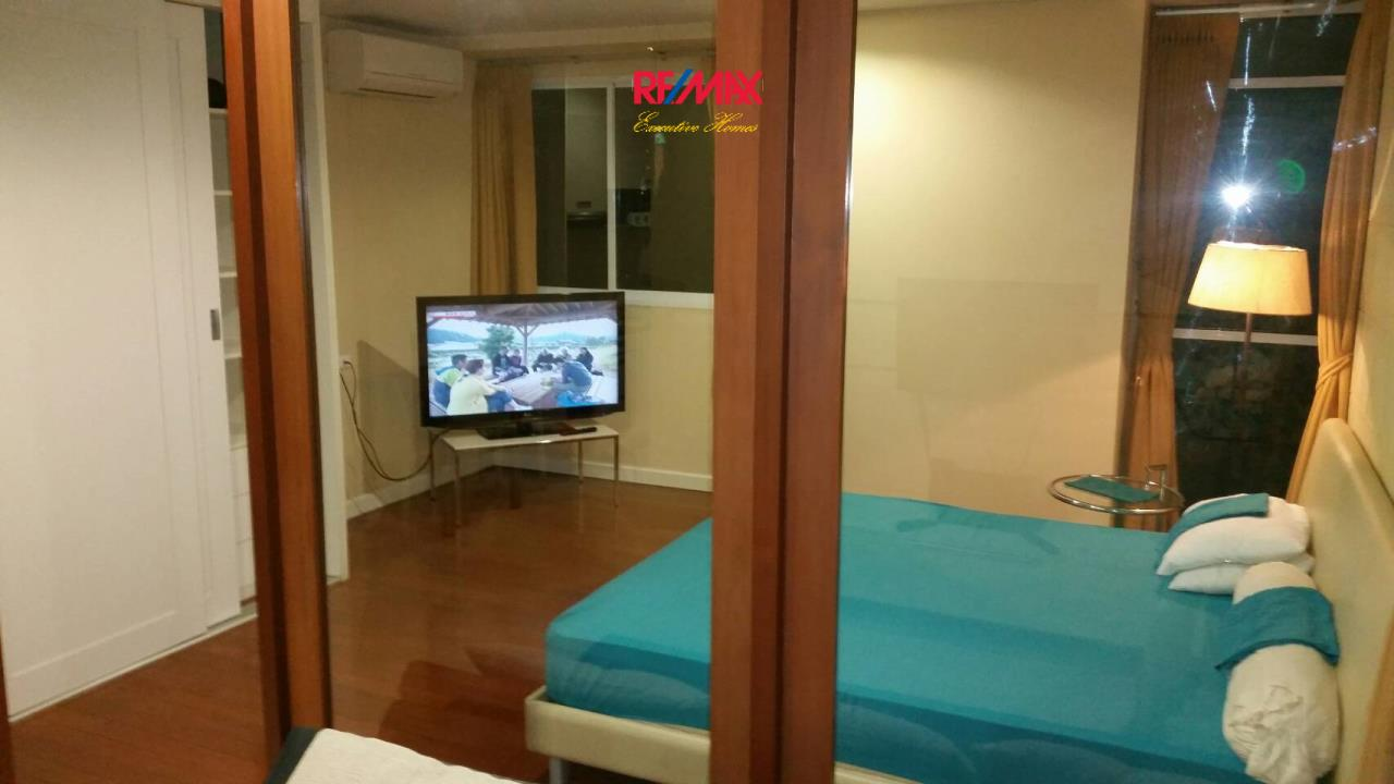 RE/MAX Executive Homes Agency's Large Studio Bedroom for Sale Sukhumvit City Resort 2