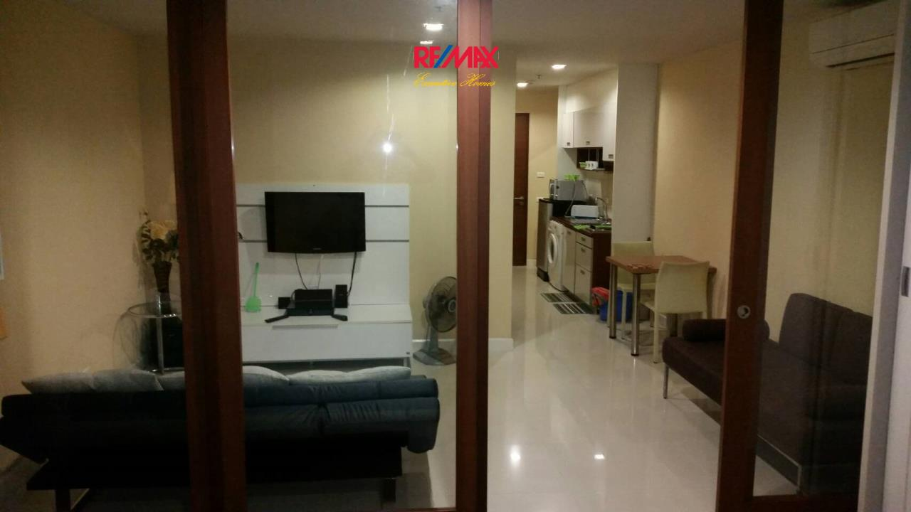 RE/MAX Executive Homes Agency's Large Studio Bedroom for Sale Sukhumvit City Resort 5