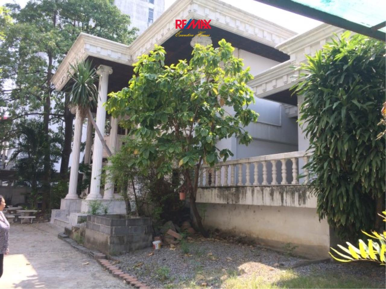 RE/MAX Executive Homes Agency's Spacious 4 Bedroom House for Sale Srinakarin 38 2