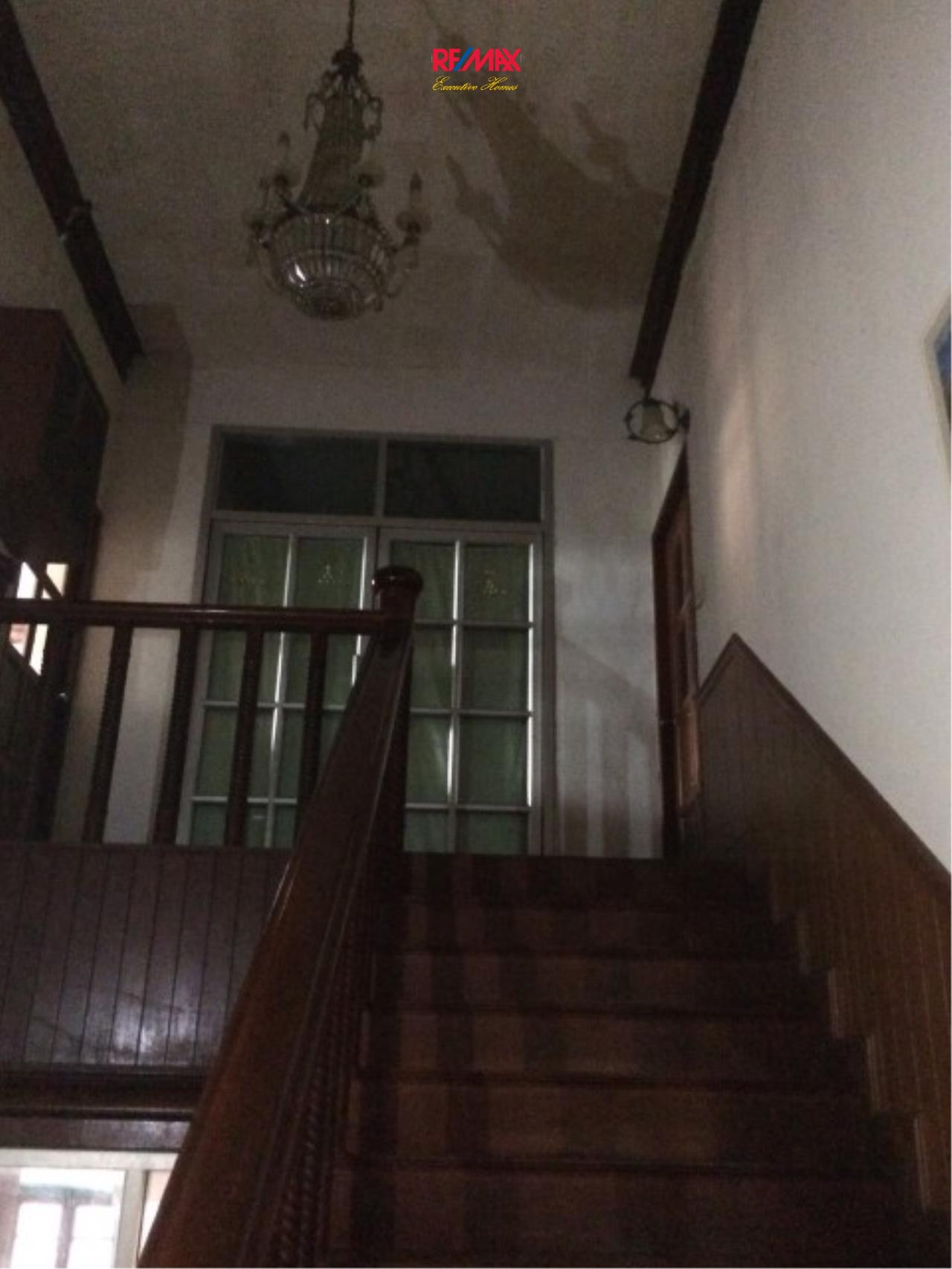 RE/MAX Executive Homes Agency's Spacious 4 Bedroom House for Sale Srinakarin 38 4