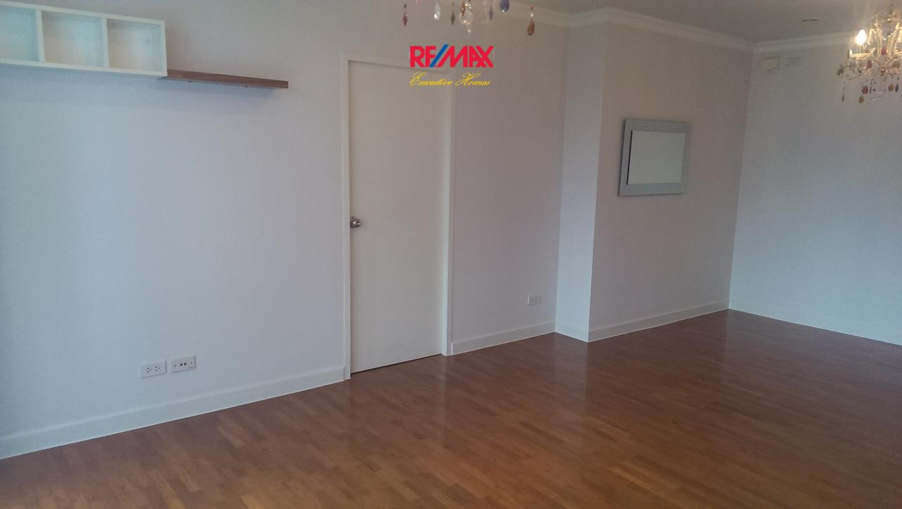 RE/MAX Executive Homes Agency's Spacious 1 Bedroom for Sale with Tenant Baan Siri 10 3