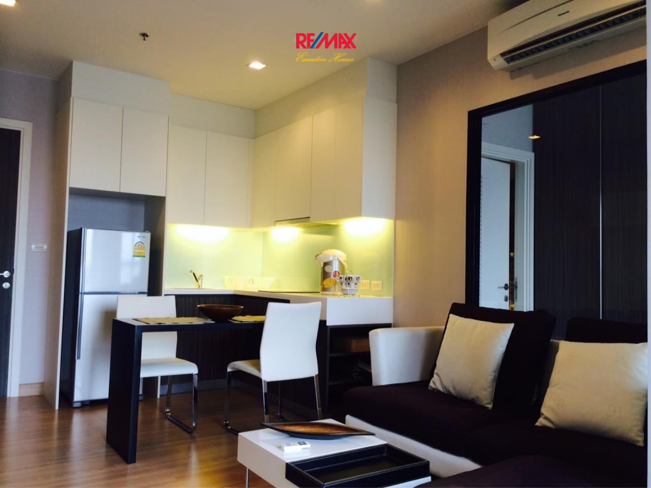 RE/MAX Executive Homes Agency's Nice 1 Bedroom for Rent Urbano Absolute 2