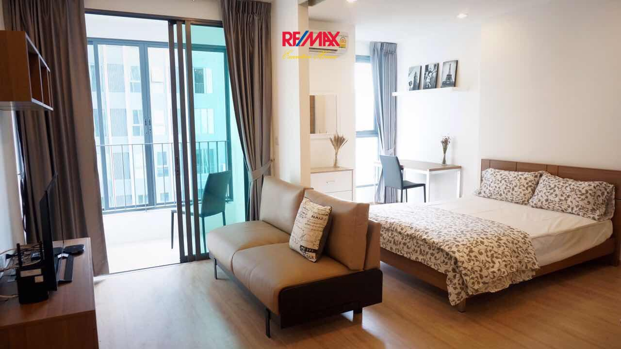 RE/MAX Executive Homes Agency's Nice 1 Bedroom for Rent Ideo Q Chula Samyan 4