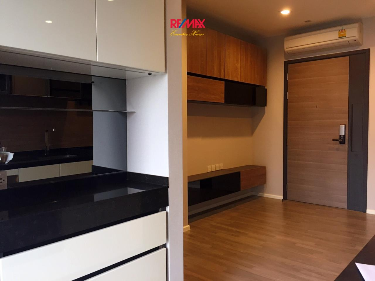 RE/MAX Executive Homes Agency's Stunning 1 Bedroom for Sale The Room Sathorn Taksin 8