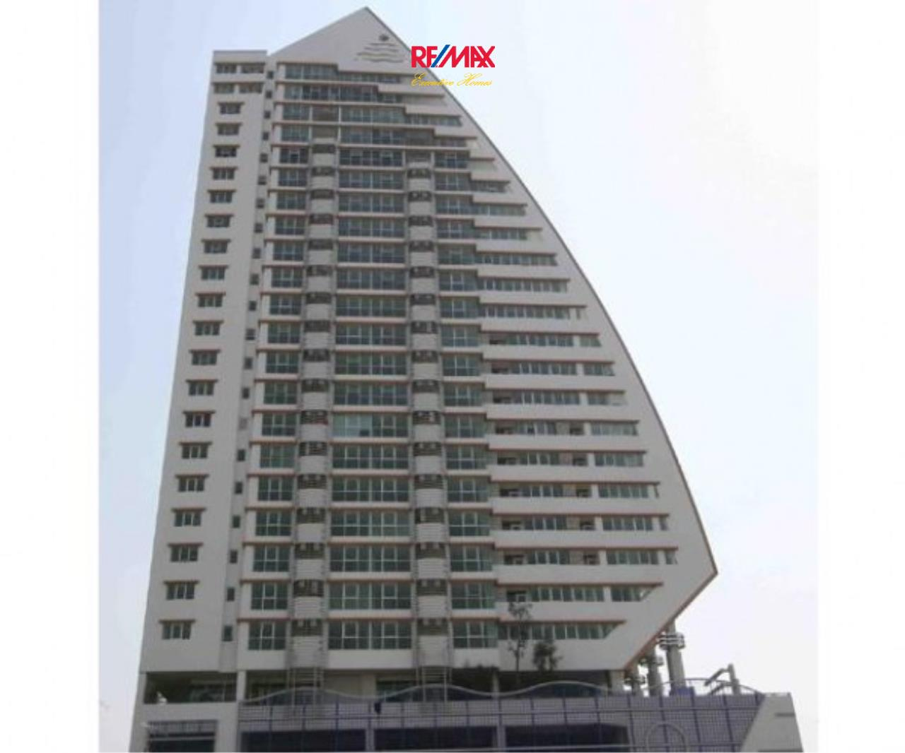 RE/MAX Executive Homes Agency's Nice 1 Bedroom for Rent St. Louis Sathorn 2