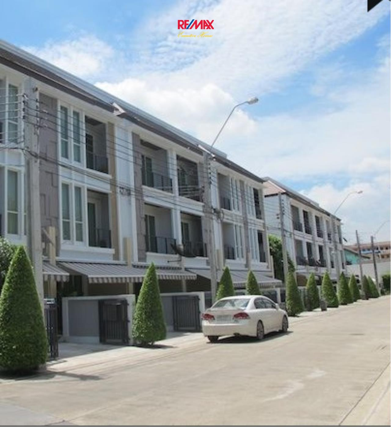 RE/MAX Executive Homes Agency's Nice 3 Bedroom Townhouse for Sale Baan Klang Muang S- Sense 1