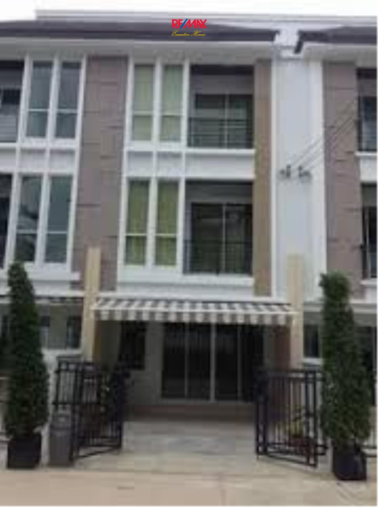 RE/MAX Executive Homes Agency's Nice 3 Bedroom Townhouse for Sale Baan Klang Muang S- Sense 2