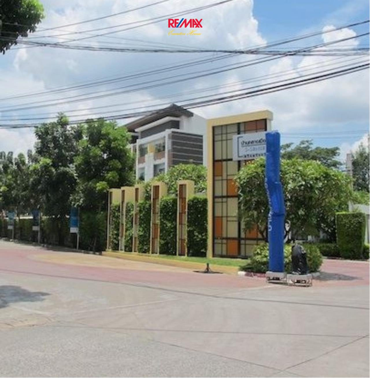 RE/MAX Executive Homes Agency's Nice 3 Bedroom Townhouse for Sale Baan Klang Muang S- Sense 4