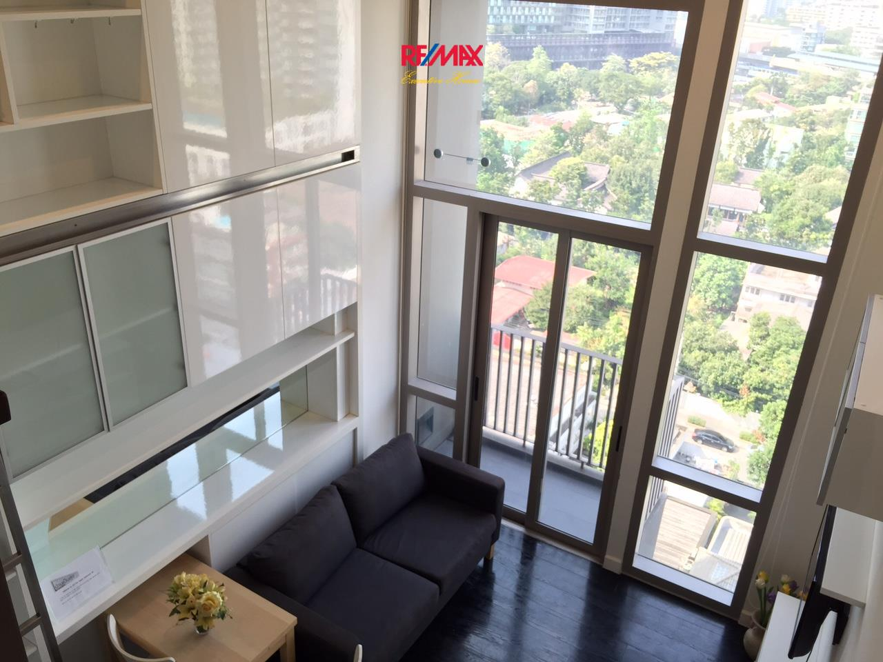 RE/MAX Executive Homes Agency's Nice 1 Bedroom Duplex for Rent Ideo Morph 38 5