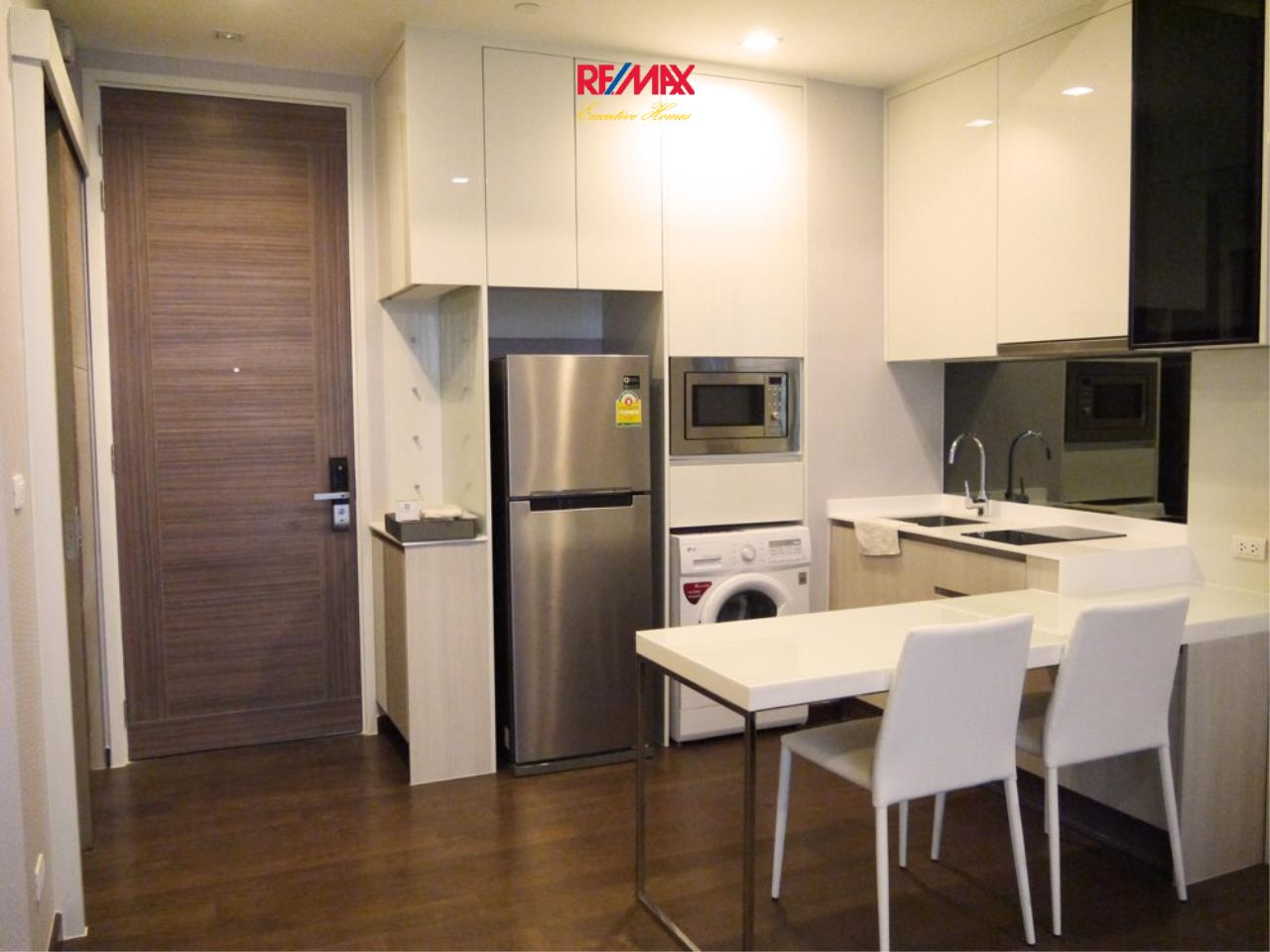 RE/MAX Executive Homes Agency's Nice 1 Bedroom for Rent Q Asoke 6