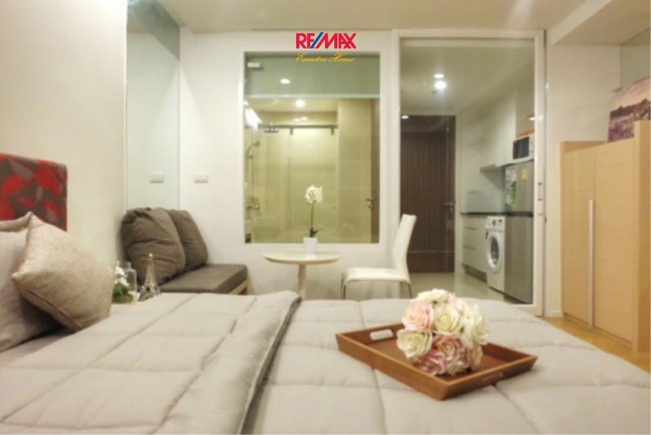 RE/MAX Executive Homes Agency's Cozy 1 Bedroom for Rent and Sale 15 Residences 2