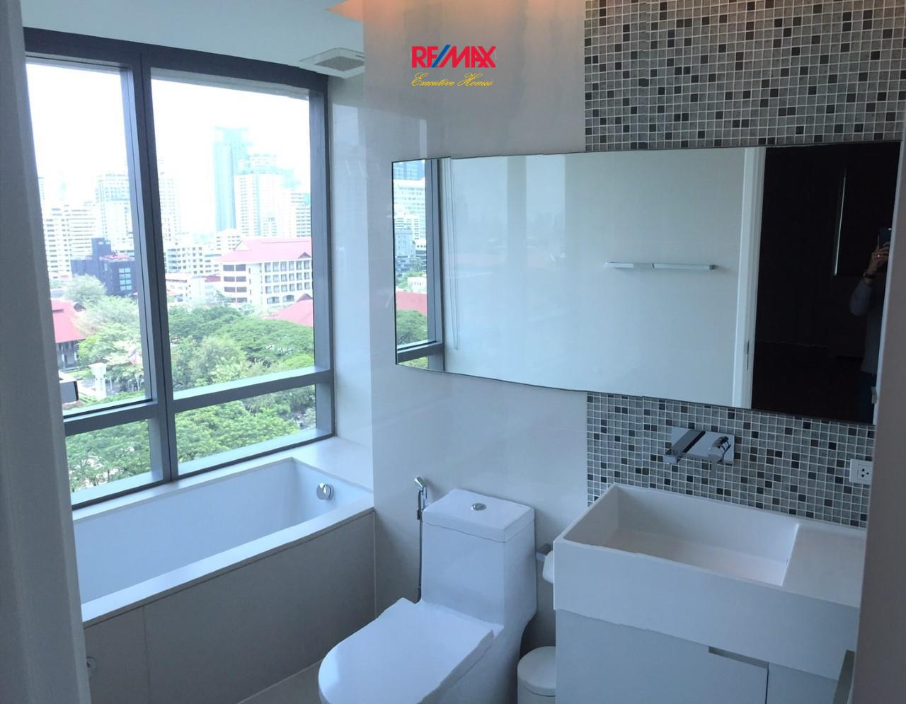 RE/MAX Executive Homes Agency's Stunning 2 Bedroom for Rent and Sale The Room 21 5