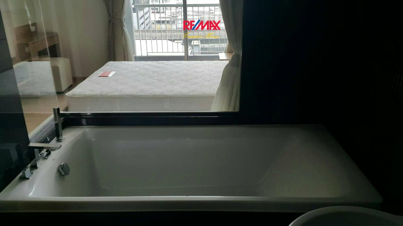 RE/MAX Executive Homes Agency's Nice 1 Bedroom for Rent Rhythm 50 10