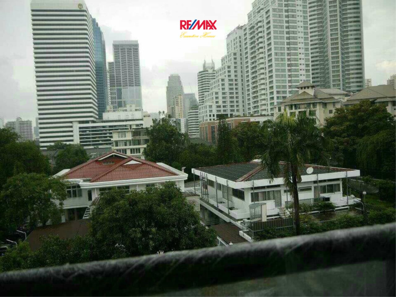 RE/MAX Executive Homes Agency's Spacious 1 Bedroom for Sale Voque Sukhumvit 16 11
