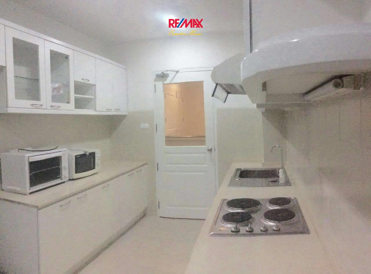 RE/MAX Executive Homes Agency's Nice 3 Bedroom for Rent Grand Langsuan  7