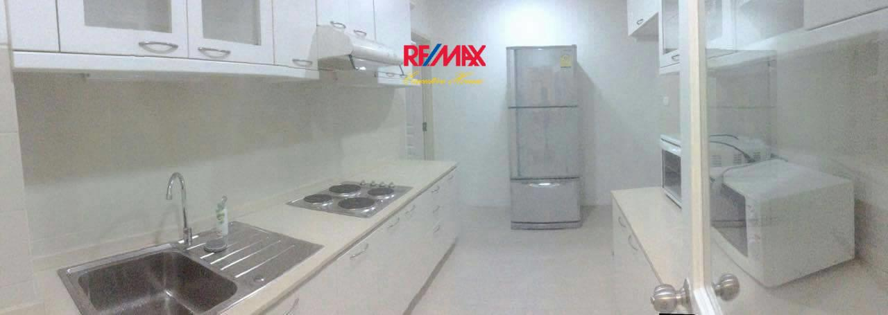 RE/MAX Executive Homes Agency's Nice 3 Bedroom for Rent Grand Langsuan  8