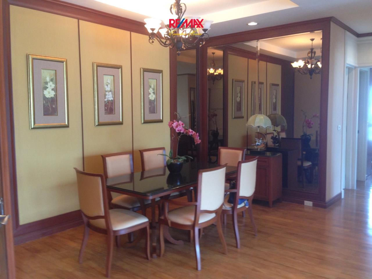 RE/MAX Executive Homes Agency's Spacious 2 Bedroom for Rent The Bangkok 43 2